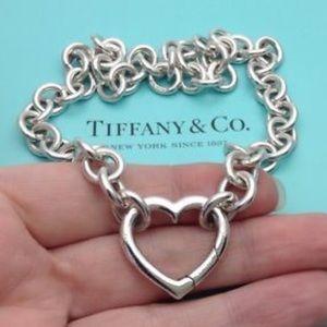 3b9fd04a65174 Tiffany & CO. Open heart choker necklace💗